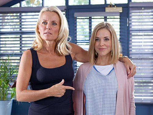 Hollyoaks Spoilers -- October 3-7 2016   Hollyoaks Spoilers -- October 3-7 2016  Find out what's coming on next on Channel 4 soap opera Hollyoaks day-by-day for the week of October 3rd to 7th.  Julie's 50 Years of Marriage  As they continue to work through their 50 Years of Marriage bucket list Alfie sets up a green screen so he can take some holiday snaps with Jade before her hospital appointment. He suggests the Nightingales and Osborne's go on a safari together but hes stunned when Marnie…