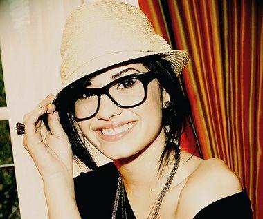 Demi Lovato  |  Celebrities wearing Glasses #glasses