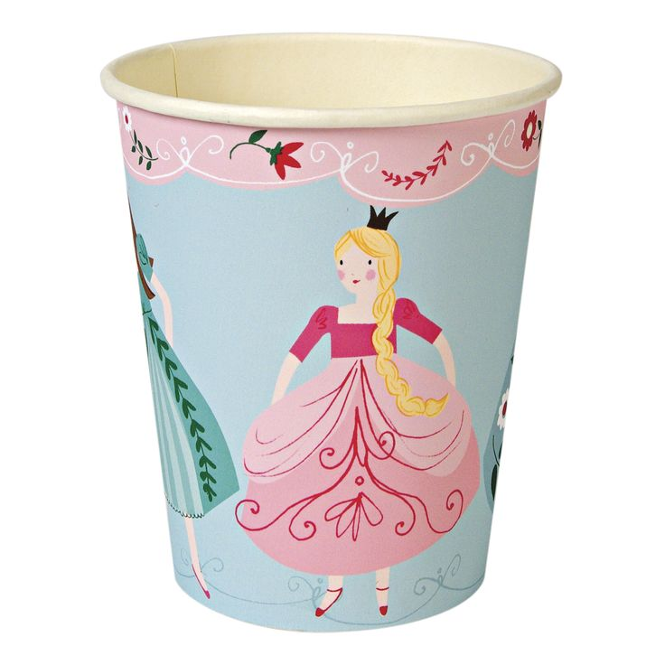 I'm a Princess Party Cups ~ Princesses prepare for the grand ball - you will be required to dress in your fanciest frock!  These party cups come decorated with a row of pretty princesses in flowing dresses.  Pack contains 12 hot or cold cups £3.75