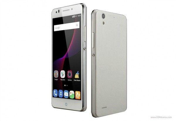 Harga ZTE Blade A520 – TEKNOKITA.COM – Satu lagi brand asal China yang akan merilis smartphone di kelas Mid Range. Walaupun masih sekedar rumor namun ponsel ini sudah tersiar akan di luncurkan pada tahun 2017. Di kabarkan ponsel ini akan memakai desain berukuran layar 5,5 inchi yang...