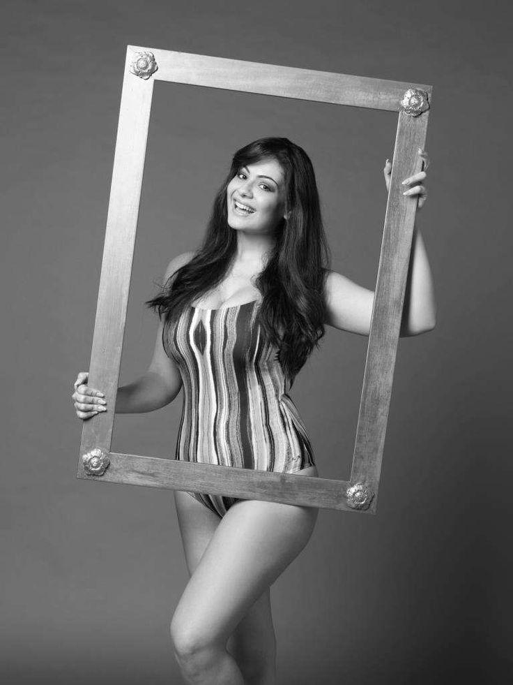 Paola Torrente, seconda classificata a Miss Italia tra le 29 donne bellissime protagoniste del nuovo calendario Beautiful Curvy 2017!