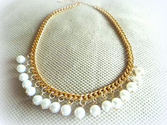 Επιχρυσωμένη αλυσίδα και λευκές πέρλες | myartshop