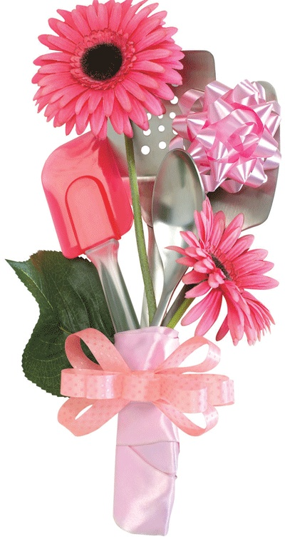 Great inexpensive but thoughtful housewarming gift - a kitchen utensil bouquet!