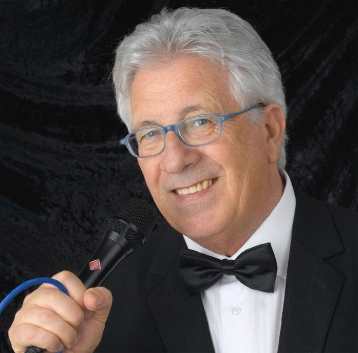 UN GRANDE MUSICISTA CANTANTE PEPPINO DI CAPRI