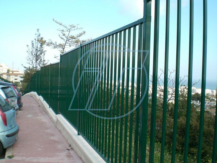 Cerramiento enmarcado barrotes. Indusmetal Torres