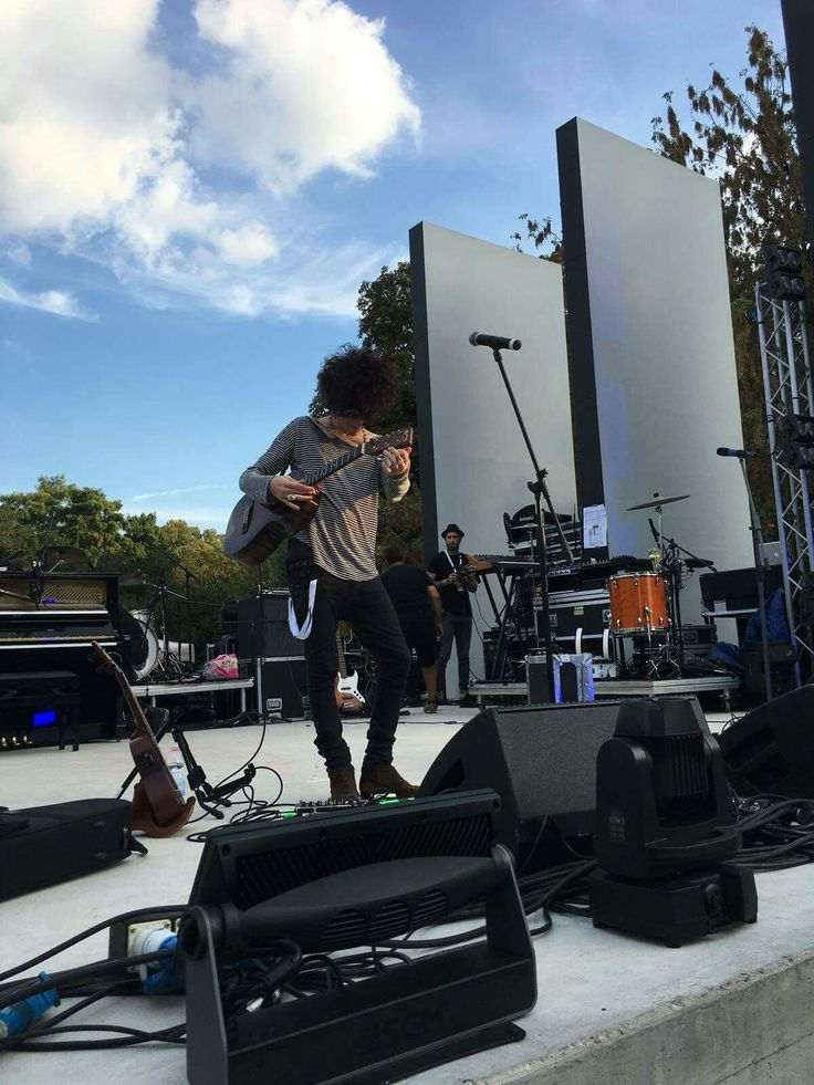 LP ~ Soundcheck in Milan