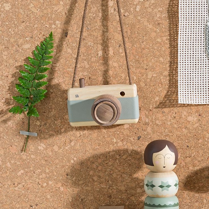 Fanny and Alexander wooden camera