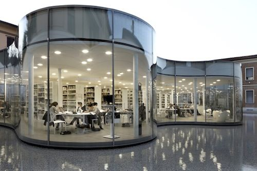 An Italian Library That Seems To Be Floating On Water - DesignTAXI.com