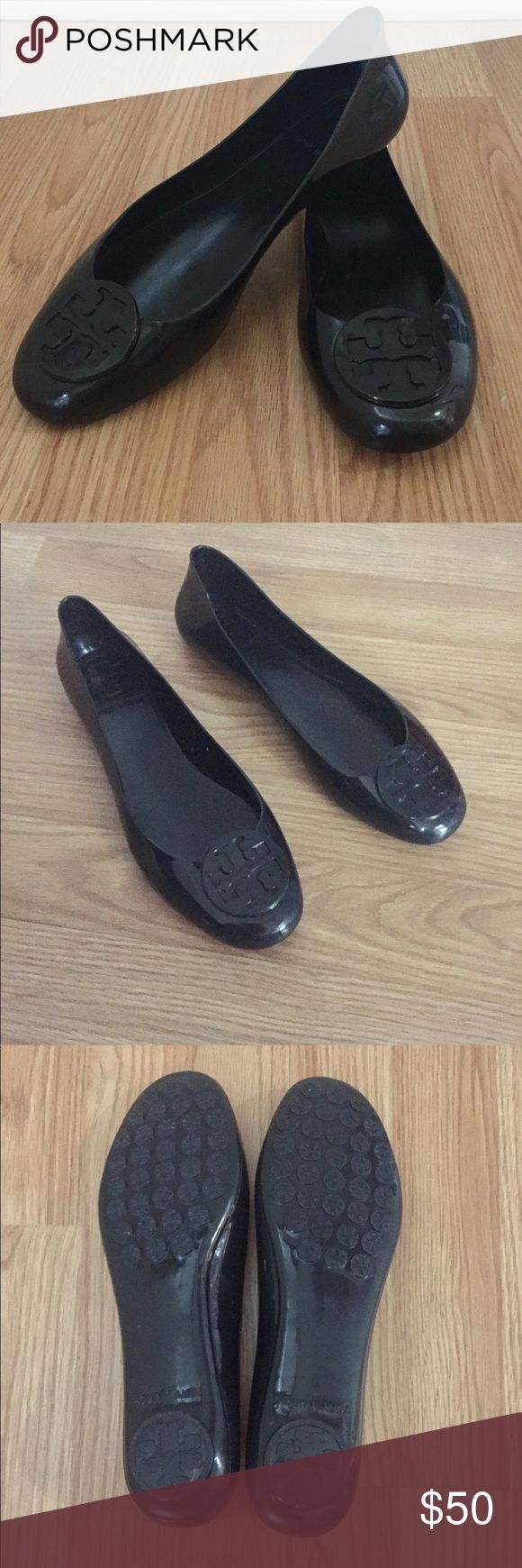 Tory Burch Reva Jelly Flats Tory Burch Reva Jelly Flats. Black. Size 8. Great for everyday use or for inclement weather.  Pre-owned - minor scuff marks on sides and minor wear in sole near toes. Nothing major just normal usage wear. Please see all pictures and let me know if you have any questions! Reasonable offers welcome. Tory Burch Shoes Flats & Loafers