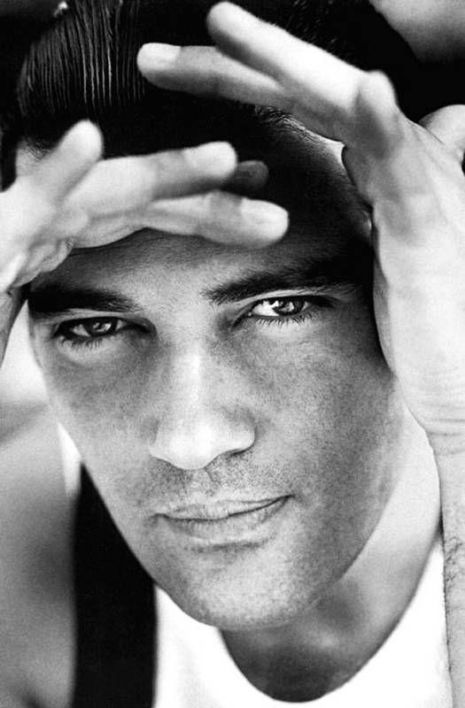 Antonio Banderas, 1990s