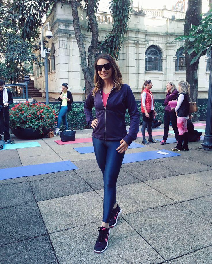 Vibe Fitness: tem dias que troco o meu treino por treinos especiais com equipes super motivadas e cheias de energia. Confira super dicas para praticar ciclismo indoor e super yoga em São Paulo!