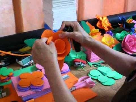FLORES DE E.V.A. SEM USAR COLA http://www.youtube.com/watch?v=WrW1NJNO1BM