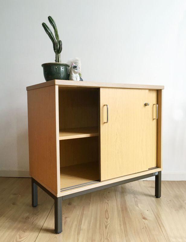 Klein Zwart Dressoir.Tof Klein Vintage Dressoir Houten Kast Met Retro Design Op