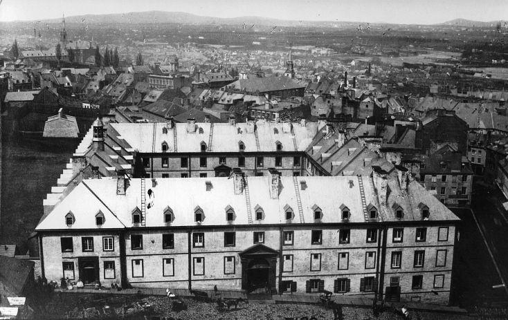 Collège des Jésuites de Québec en Octobre 1874.(Aujourd'hui est bâtis sur ce site l'Hôtel de Ville de Québec)