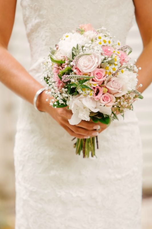 Bouquet by Willoughby Road Florist Photography by Lavara