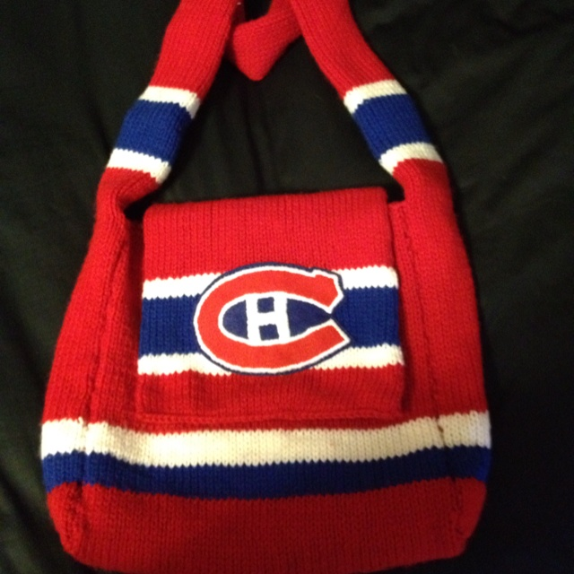 My Montreal Canadiens bag that I knitted