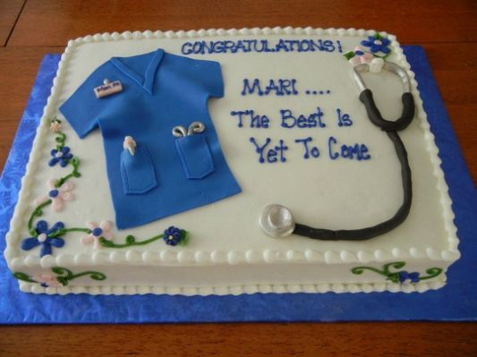 The 25+ best ideas about Nursing Graduation Cakes on ...