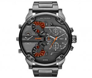 Diesel Men's DZ7315 Daddy series Analog Men's watch grey steel High quality.  Diesel Men's DZ7315 The Daddies Series Analog Display Analog Quartz Grey Watch is surely perfect as a gift and for yourself. It features a multiple layered dial with contrast markers and hands. It has tons of extra features, such as the date window and chronograph. Mineral crystal protects all these features, plated inside a stainless steel case.