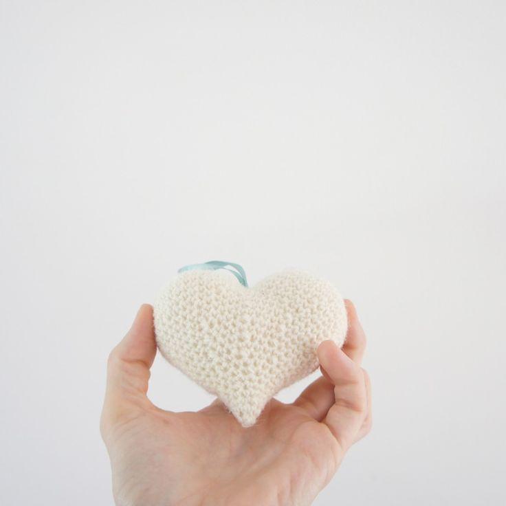 Hæklet (uld) hjerte // crochet (wool) heart