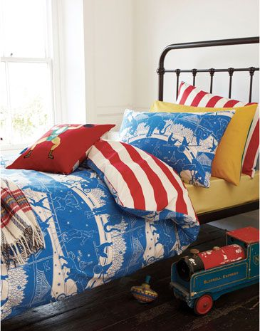 Joules null Boys Circus Duvet Cover, Circus.                     Roll up, roll up, the circus is in town! Clowns on unicycles, performing lions and extraordinary elephants cover the front with a circus top stripe on the  reverse