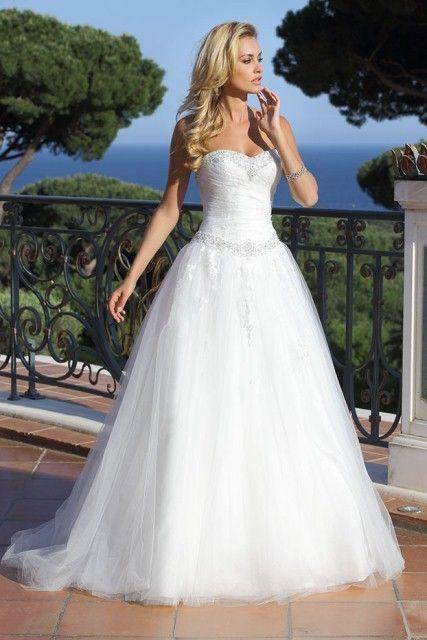 42 best Brautkleid Prinzessin images on Pinterest | Ball gown ...