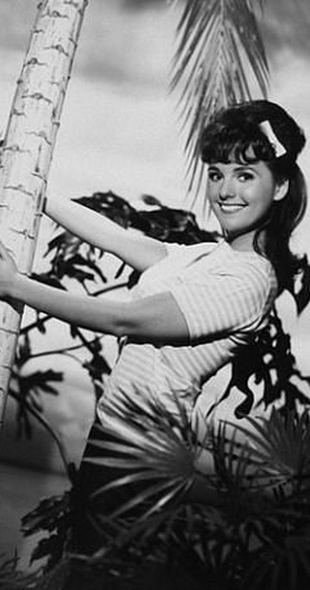 Dawn Wells, Actress: Gilligan's Island. A wholesome beauty from Reno, Nevada, Dawn Wells was on her way to becoming a ballerina, but bad knees prevented her from realizing the dream. Despite this, she did become Miss Nevada and was in the 1960 Miss America pageant. Wells majored in drama during her collegiate years (she was originally going to study chemistry) and after graduation moved to Hollywood and got parts in several popular ...