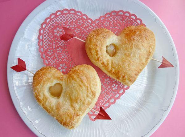 3 ideas para la cena de San Valentín Hoy os traemos tres ideas para la cena de San Valentín. ¡Podréis festejar el día más romántico del año con una cena muy especial con vuestro ma...