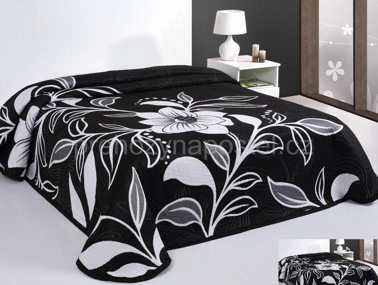 Oboustranný přehoz na postel bílý s černými květy