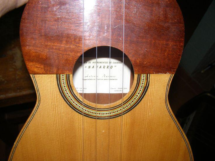 El Cuatro Venezolano. Instrumento de magia, hacedor de sueños: Acordes de cuatro venezolano, música, ritmos, aprendizaje.