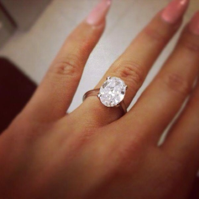 im blinded by her engagement bling but amber rose i want my ring to - Fake Wedding Ring