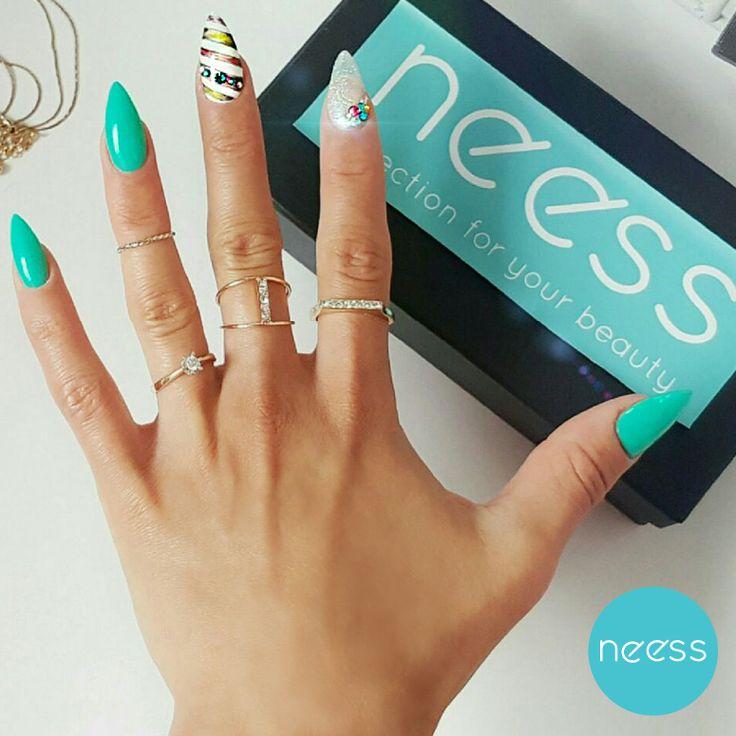 Stylizacja wykonana przez Boskie Paznokcie. Lakiery hybrydowe NEESS. green nails