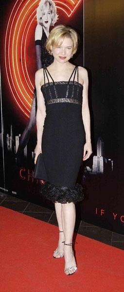 Renee Zellweger, 5'4''