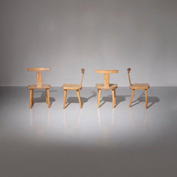 OLAVI HÄNNINEN (1920-1992) Finlande Suite de quatre chaises Orme 1959