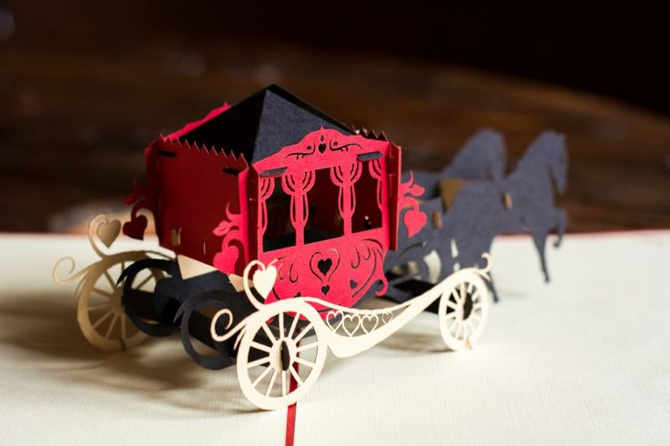 Horse carriage from simple sheets of paper. Impressive craftsmanship and yet simple at the same time.