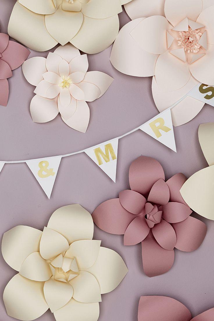 Paper flowers www.pandurohobby.com #backdrop #flowers #wedding
