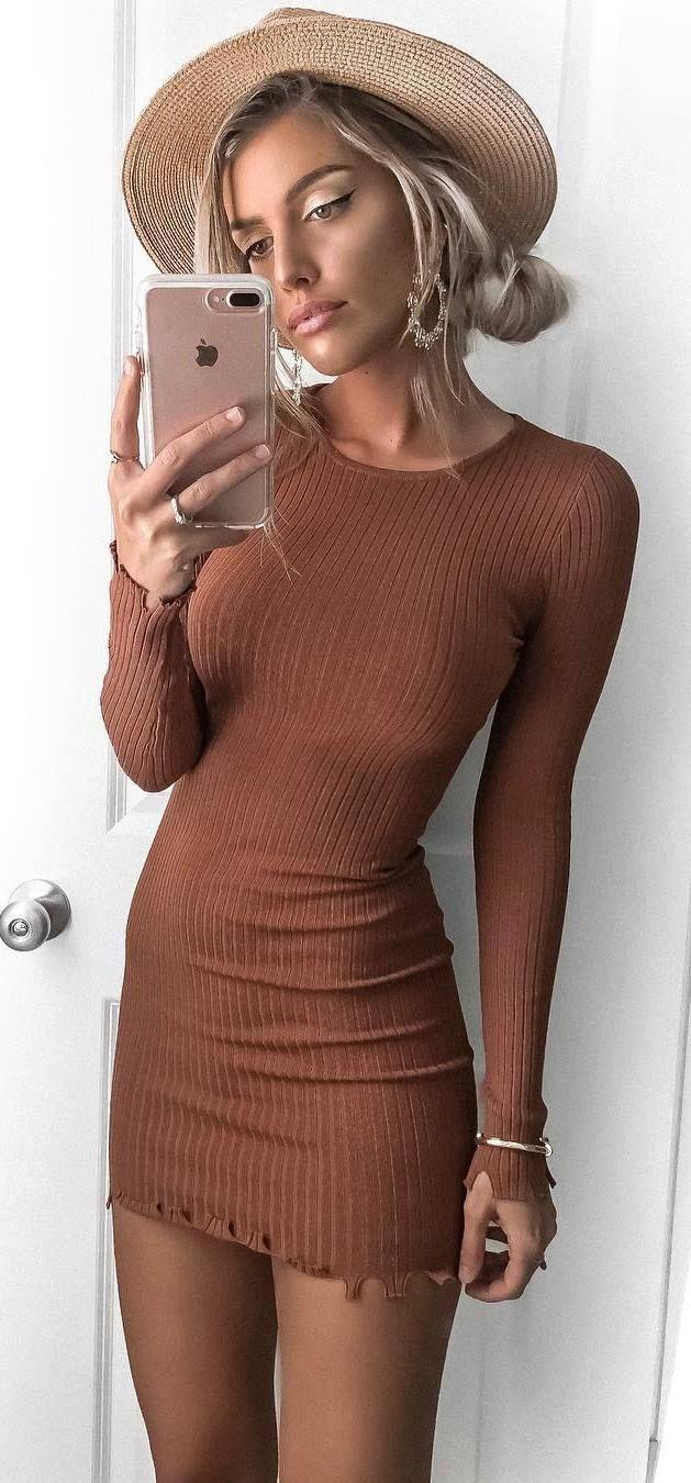 hat + brown dress