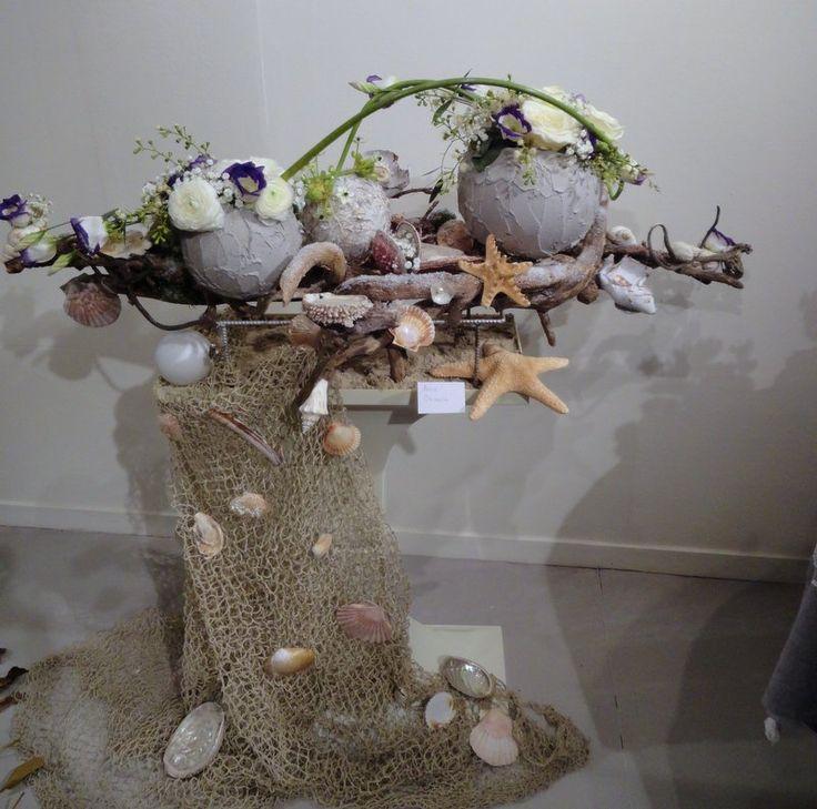 Image exposition d 39 art floral agon coutainville for Composition florale avec bois flotte