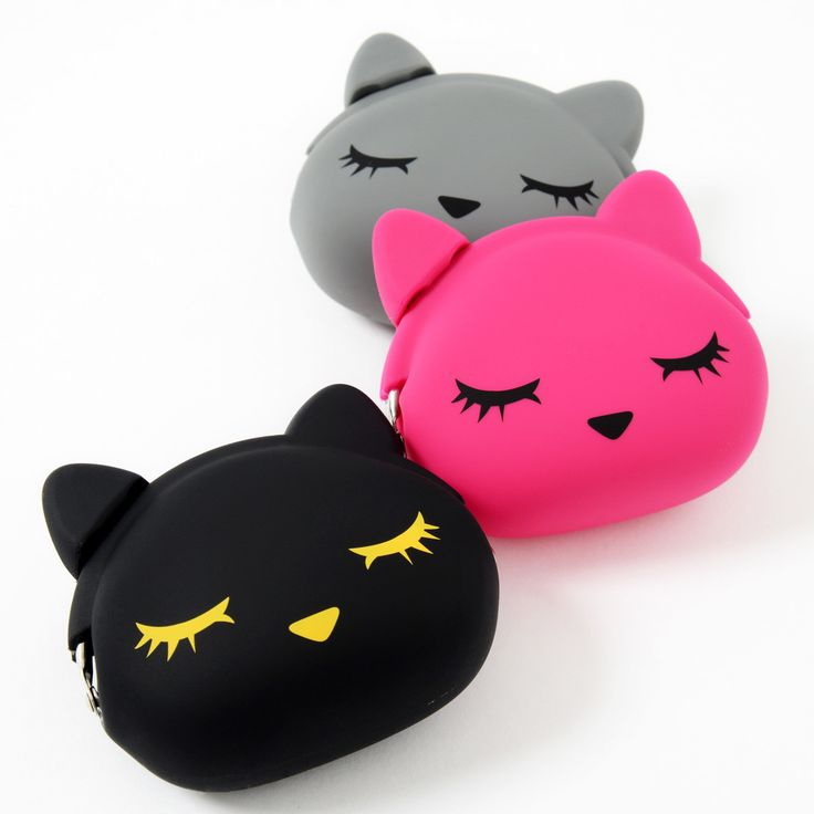 You're sure to mind a little less about having to get your purse out when it's as cute as this pretty **Pooh-chan** pouch! Available in **gray**, **pink** or **black** each of the purses measures about **3.4x3.7 inches** and comes in the plump round shape of the head of Pooh-chan, the mascot of the **i♡Pooh** brand with her cute face printed on the front. Each of the pouches also has a fun **clasp...