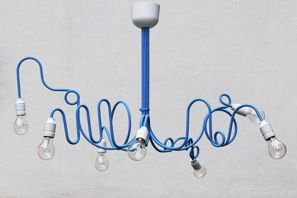 """Niebieski żyrandol """"chaos"""" - inspiracje, nowoczesny żyrandol, wystrój, wystrój wnętrz, żyrandol - TRENDmag.pl - najnowsze trendy"""
