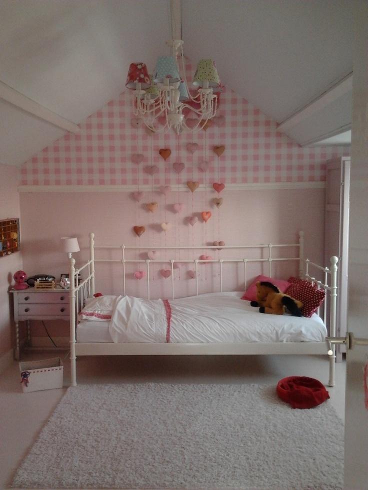 GIRLY DECOR - Hearts wall hanging decor // claradeparis.com  ♥