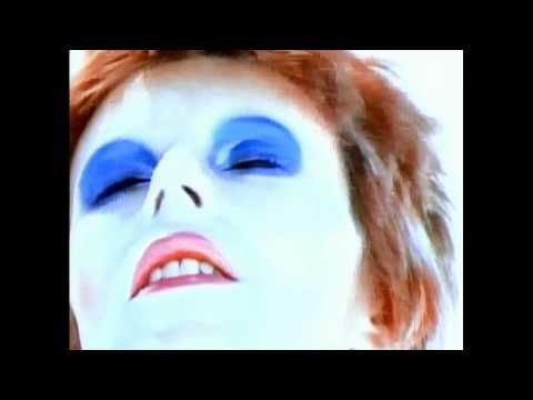 Did you know there is a person on this planet called Zowie Bowie....and he is David Bowies son! I could die of jealousy.