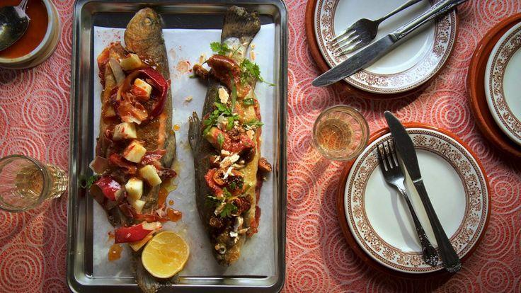 Une recette de truite serrano au beurre de pomme, présentée sur Zeste et Zeste.tv.