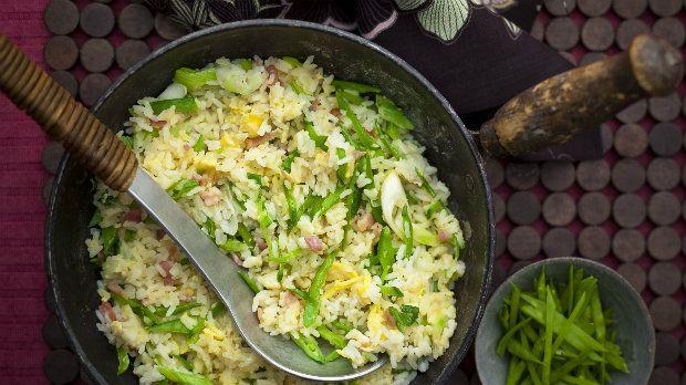 Normálně se v tradiční čínské kuchyni používá smažené vepřové maso, ale slanina…