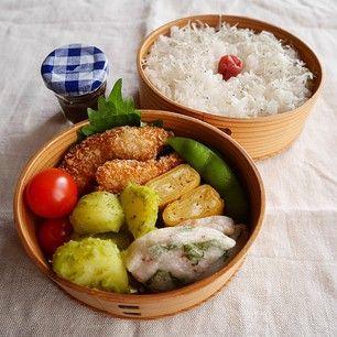 白ごはん よつばの白身魚フライ 粉ふきいものバジルソース和え たこと大葉の天ぷら 卵焼き 枝豆 プチトマト