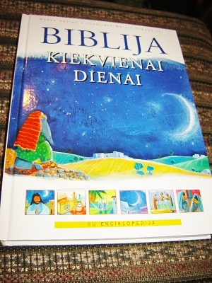 Lithuanian Children's Bible / The Everyday Bible / Biblija Kiekvienai Dienai / 365 Stories