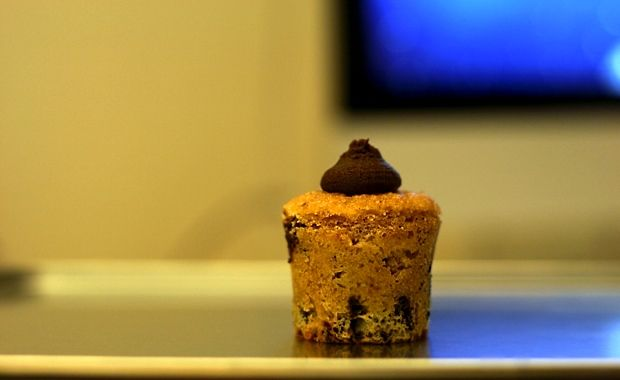 Vuxna cupcakes med mörk choklad och en touch av rom