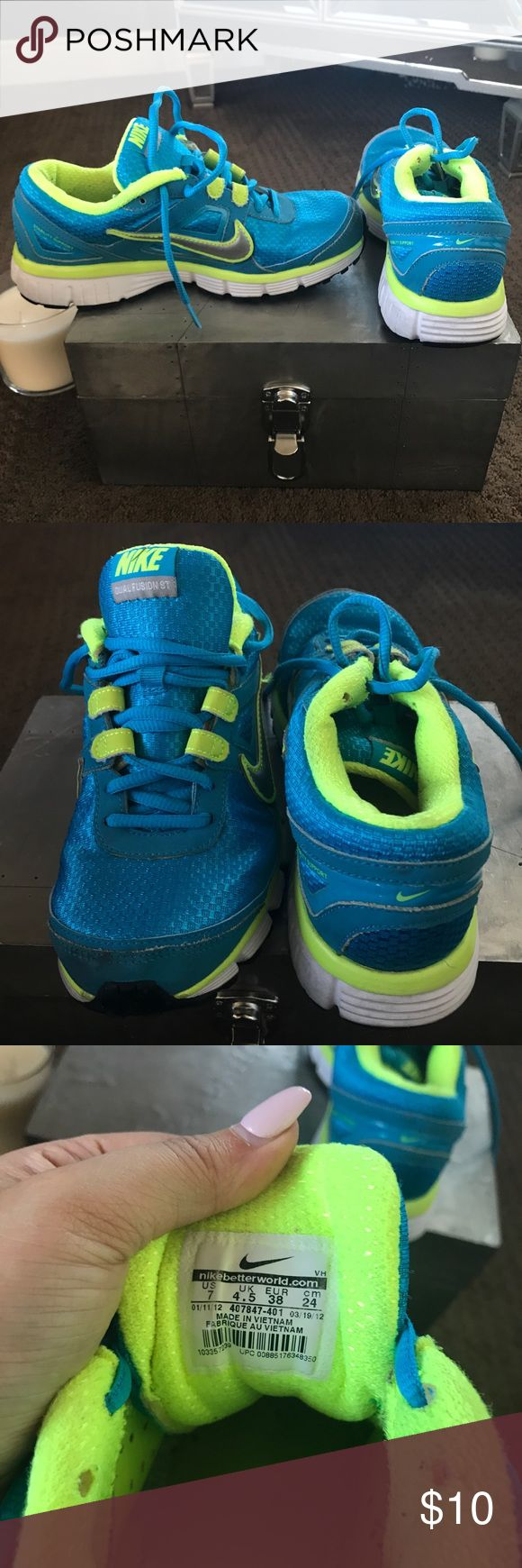 Nike Dual Fusion work out shoes Blue and green dual fusion Nike workout shoes. Very comfortable with lots of support. Nike Shoes Athletic Shoes