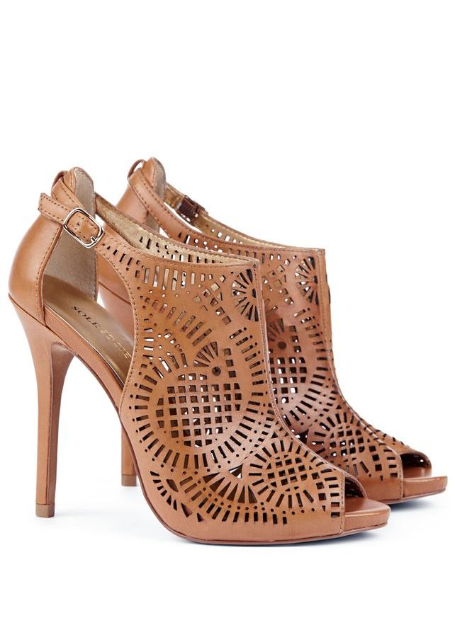Epic cut out sandal pumps // want these shoes for summer! <3
