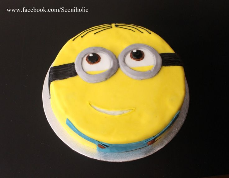 Minion 2D cake