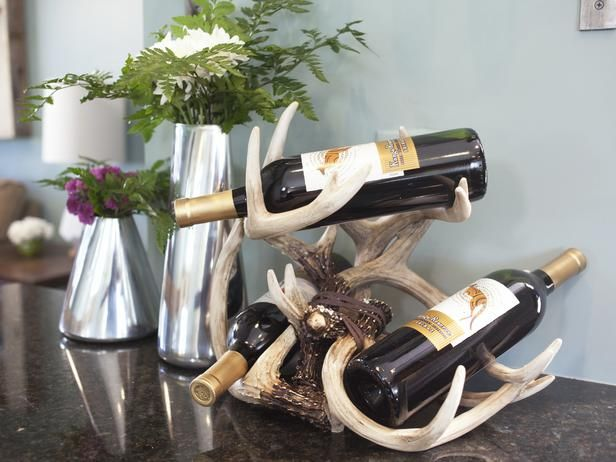 Designer MacGyver: 5 Eclectic Antler Crafts and Decor Ideas (http://blog.hgtv.com/design/2014/04/28/antler-crafts-and-decor-ideas/?soc=pinterest)Antler Ideas, Design Macgyver, Decor Ideas, Deer Antlers, Eclectic Antlers, Antlers Wine, Blog Designs, Antlers Crafts, Antler Crafts
